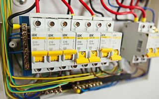 Есть ли смысл ставить выключатель нагрузки в квартирном щитке?