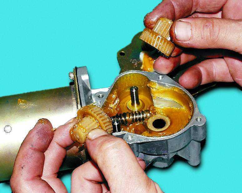 Можно ли изменять скорость вращения моторчика стеклоочистителя
