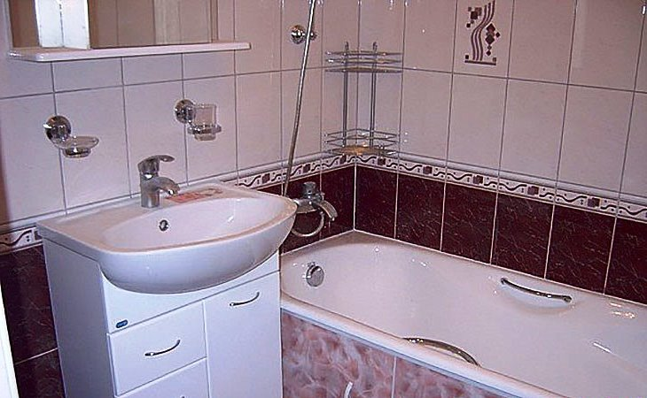 Можно ли заземлить розетку в ванной комнате от кабеля прикрученного к ванной